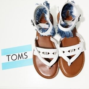 TOMS Lexie Fringe Leather Thong Sandal - Si
